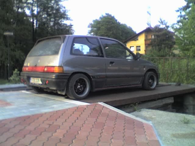 1988 Daihatsu Charade 1.3 (79 cui) (HC-E) gasoline 74 kW - Basic info